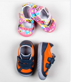 sale on Stride Rite footwear