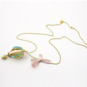 hot-air-balloon-necklace